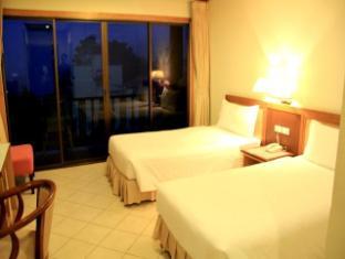 Casa Del M Hostel Phuket - M Superior Twin Bed Room