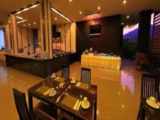Casa Del M Hostel Phuket - Buffet Breakfast at M Cafe