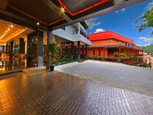 Casa Del M Hostel Phuket - Hotel Entrance