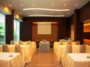 Casa Del M Hostel Phuket - Meeting Room