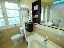 Kindness Hotel Xin Jue Jiang: bathroom