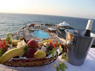 Dome Hotel Kyrenia - Food and Beverages
