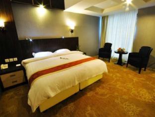 Hermes Palace Hotel Medan – Managed by Bencoolen Medan - Junior Suite