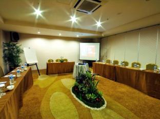 Hermes Palace Hotel Medan – Managed by Bencoolen Medan - Meeting Room