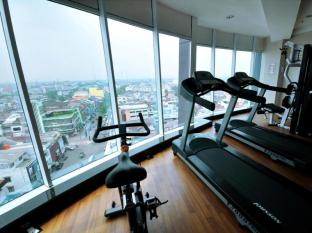 Hermes Palace Hotel Medan – Managed by Bencoolen Medan - Fitness Room