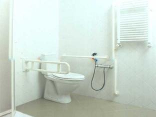 Hotel Lancelot Rome - Bathroom for Disabled