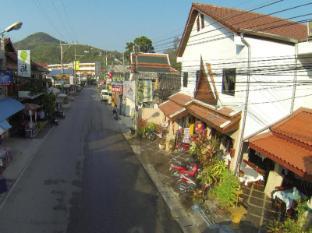 Kamala Dreams Hotel Phuket - Street view