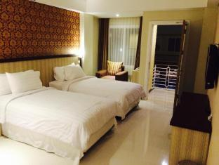 Sylvia Hotel Kupang Kupang - deluxe room