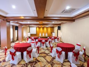 Sylvia Hotel Kupang Kupang - Smaller meeting room