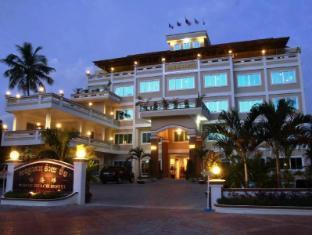 /vi-vn/white-beach-hotel/hotel/sihanoukville-kh.html?asq=5VS4rPxIcpCoBEKGzfKvtE3U12NCtIguGg1udxEzJ7l3xQcIz%2fo1fNZuRu7uZ7qQhVEWvEsUmgcJVNlEUDz0p5wRwxc6mmrXcYNM8lsQlbU%3d