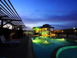 Tuana YK Patong Resort Hotel फुकेत - तरणताल