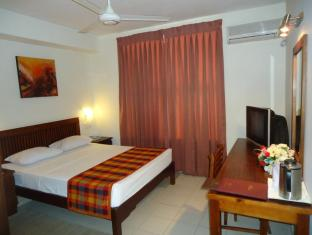 Concord Grand Hotel Colombo - Standard Room Interior