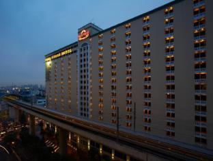 Nasa Vegas Hotel Bangkok - Exterior