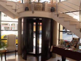 Urban Chic Hotel Cape Town - Entrance