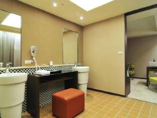 Look Hotel Taipei - Bathroom