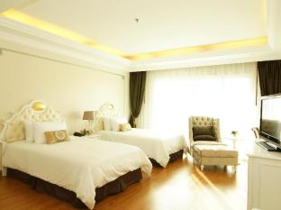 Miracle Suite Pattaya - Deluxe Twin Bed