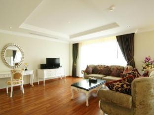 Miracle Suite Pattaya - 1 Bedroom Suite - Living Area