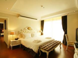 Miracle Suite Pattaya - 2 Bedrooms - Bedroom