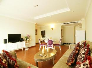Miracle Suite Pattaya - 2 Bedrooms - Living Area