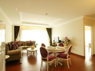 Miracle Suite Pattaya - 1 Bedroom - Dining area