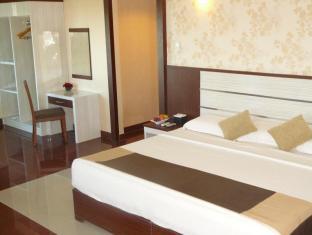 Hotel Oval Surabaya - Guest Room