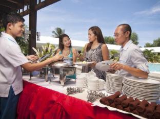 Panglao Regents Park Bohol - Buffet Service