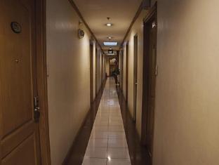 Gran Prix Econotel Cubao Manila - Hallway