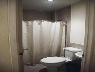 Gran Prix Econotel Cubao Manila - Bathroom