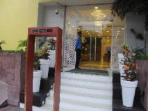 Tulip Inn West Delhi: entrance