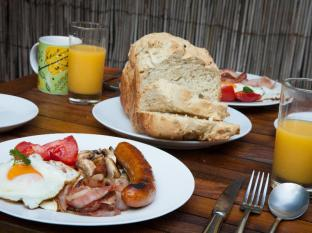 Witches Falls Cottages Gold Coast - Breakfast