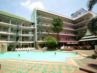 Top North Hotel Chiang Mai - Swimming Pool