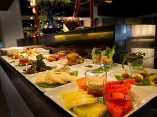My hotel CMYK @ Ratchada Bangkok - Food and Beverages
