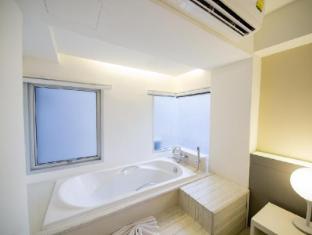My hotel CMYK @ Ratchada Bangkok - Bathroom