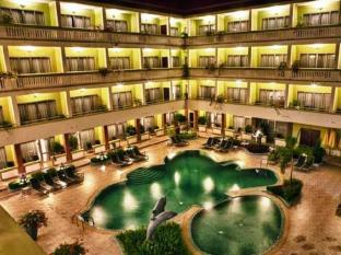 Yolanda Hotel