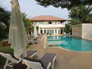 Babylon Pool Villas