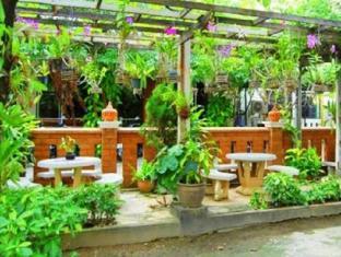 Lanna Thai Guesthouse شنغماي - حديقة