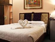 Standard s manželskou postelí velikosti Queen