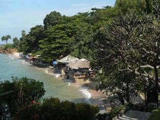 Emerald Palace Hotel Pattaya - View