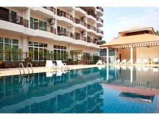 Emerald Palace Hotel Pattaya - Swimming Pool