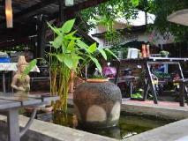 Inthira Vang Vieng: entrance