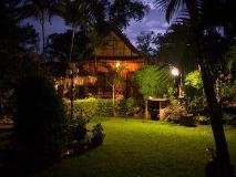 Thongbay Guesthouse Luang Prabang: garden