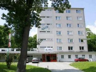/pt-pt/hostel-hutteldorf/hotel/vienna-at.html?asq=yiT5H8wmqtSuv3kpqodbCVThnp5yKYbUSolEpOFahd%2bMZcEcW9GDlnnUSZ%2f9tcbj