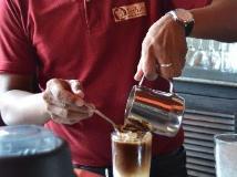 Inthira Thakhek: coffee shop/cafe