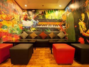 Red Fox Hotel-East Delhi New Delhi and NCR - Pub/Lounge