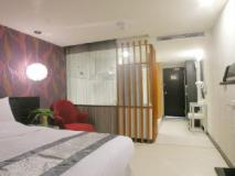 T Hotel: guest room