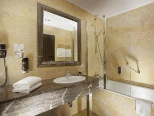 Designhotel Elephant Prague - Bathroom