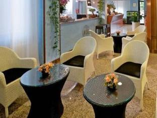 /hotel-roma/hotel/ravenna-it.html?asq=jGXBHFvRg5Z51Emf%2fbXG4w%3d%3d