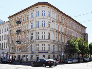 /kamienica-bankowa-residence/hotel/poznan-pl.html?asq=5VS4rPxIcpCoBEKGzfKvtBRhyPmehrph%2bgkt1T159fjNrXDlbKdjXCz25qsfVmYT