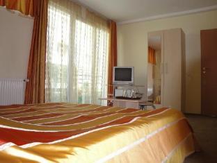 /suri-guesthouse/hotel/brasov-ro.html?asq=5VS4rPxIcpCoBEKGzfKvtBRhyPmehrph%2bgkt1T159fjNrXDlbKdjXCz25qsfVmYT