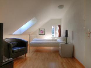 /swiss-star-guesthouse-district-4/hotel/zurich-ch.html?asq=vrkGgIUsL%2bbahMd1T3QaFc8vtOD6pz9C2Mlrix6aGww%3d